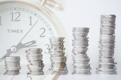 投資でセミリタイアに達成するための2つの方向性 ~リスクをとって最短距離を駆ける~